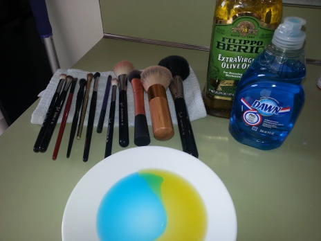 how to inexpensively clean your makeup brushes