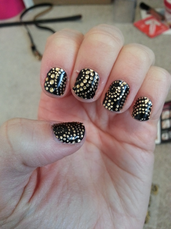 Kiss Nail Dress in 'Teddy' review