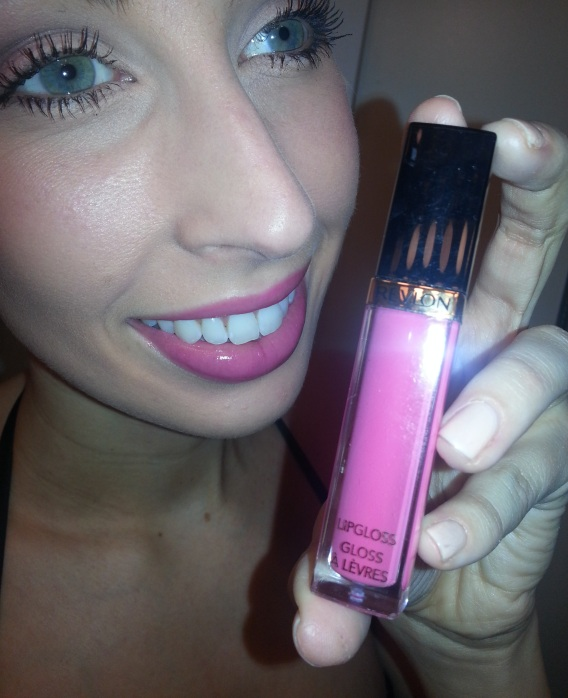 Revlon Super Lustrous in Pink Pop on lips